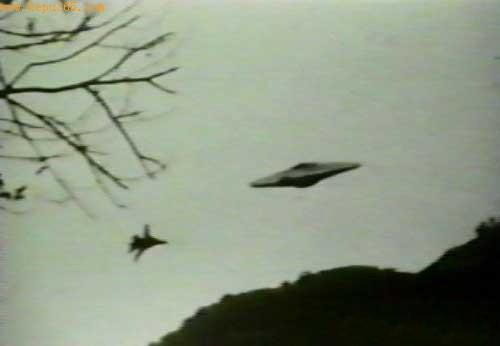 盘点UFO出现时的8种怪现象(组图)