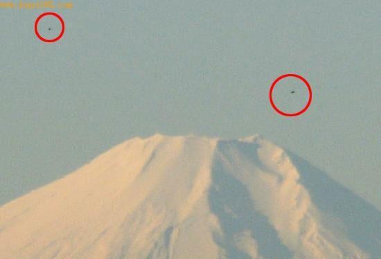 富士山外星舰队事件照片曝光 ufo闪烁银光