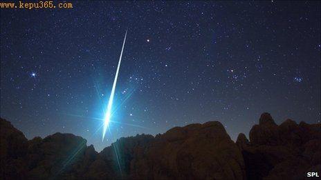 最新研究有力地支持了那些关于流星或彗星为地球生命提供必要成分的说法。