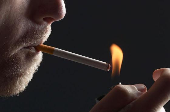 烟草可能会使基因发生化学改变,还会影响基因的活动,从而增加患癌症的风险。