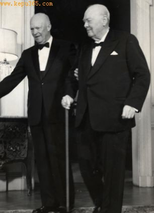 丘吉尔和美国德怀特艾森豪威尔据说讨论了如何处理遇到的不明飞行物,只是决定将它分类