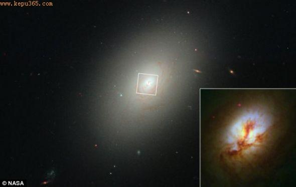 椭圆星系NGC 4150核心特写