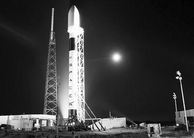 """""""猎鹰9""""号运载火箭。"""