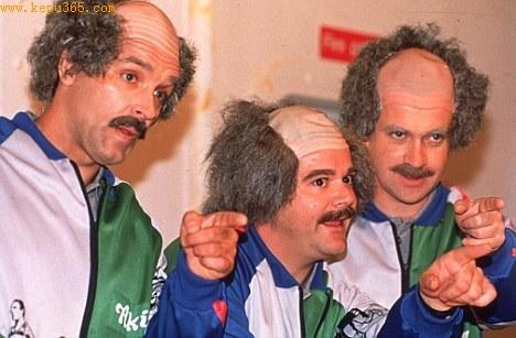 """哈利・恩菲、马克・莫拉翰、加里・布里斯戴尔扮演的""""利物浦人"""""""