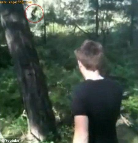 萨曼塔在华盛顿斯波坎公园游玩时用iPhone拍摄了一段视频,她认为视频中的动物就是大脚怪。